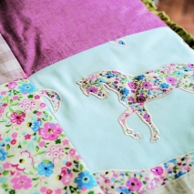 Abracazoo_Pretty Ponies Qulit